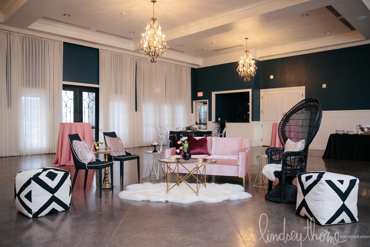 093_hotel-ella-pink-decor-lindsey-thorne.jpg