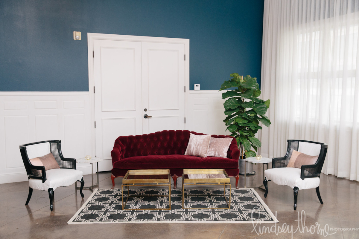 054_hotel-ella-pink-decor-lindsey-thorne.jpg