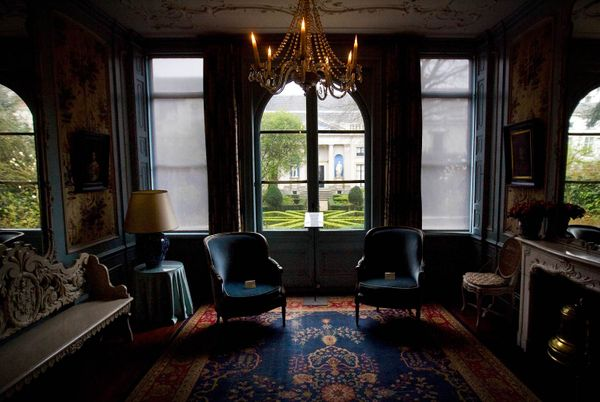 omy-amsterdam-van-loon-sitting-room.jpg