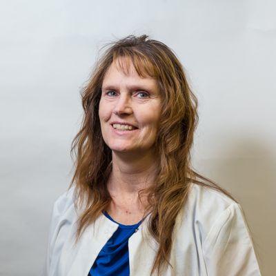 RoxAnn Moeller-Business Manager.jpg