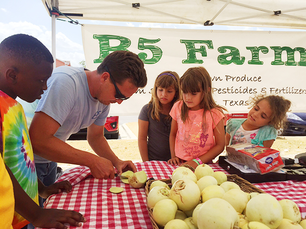ca_farmers_market_08-2015_600px_2.jpg