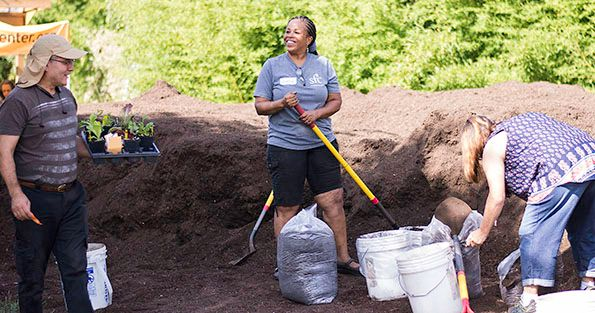 2018-09-27 STH People at Compost