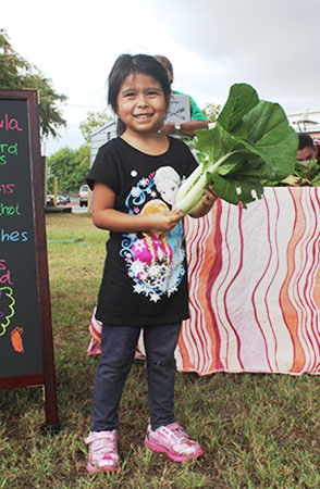 farmstand_little_girl_blog_450px.jpg