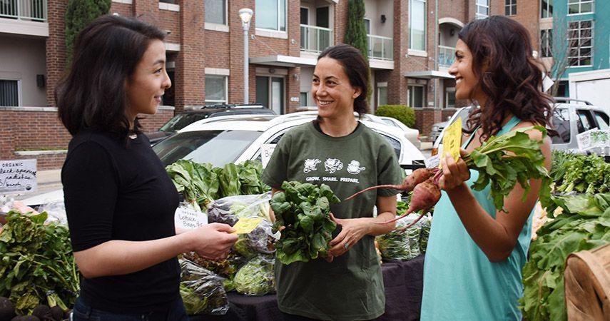 two-girls-shopping-at-JBG-img05_WEBSITE.jpg