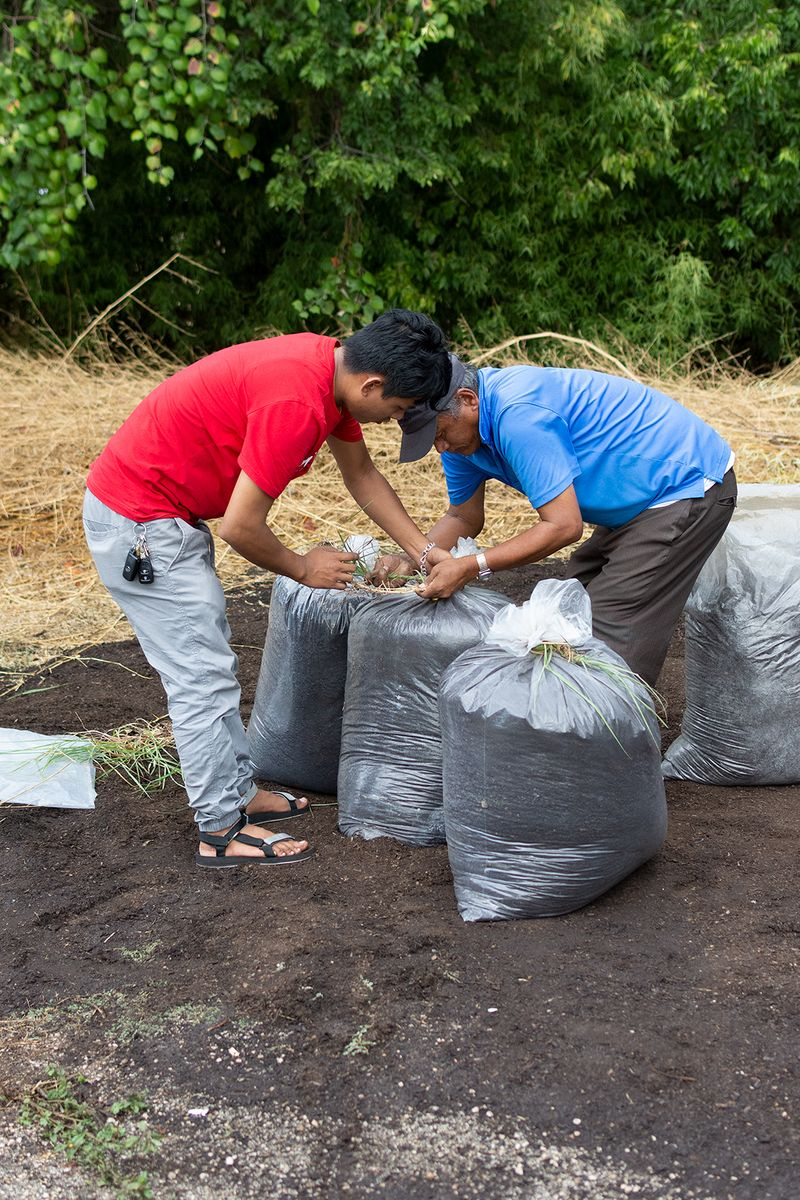 2019-09-19 STH Two Men with Compost Bags IMG-01 WEB.jpg