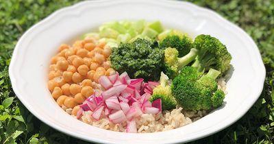 Pesto Brown Rice Bowl