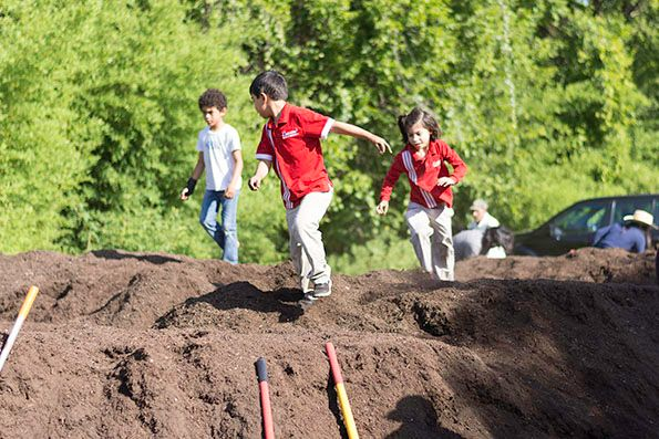 2018-09-27 STH Kids Running on Compost