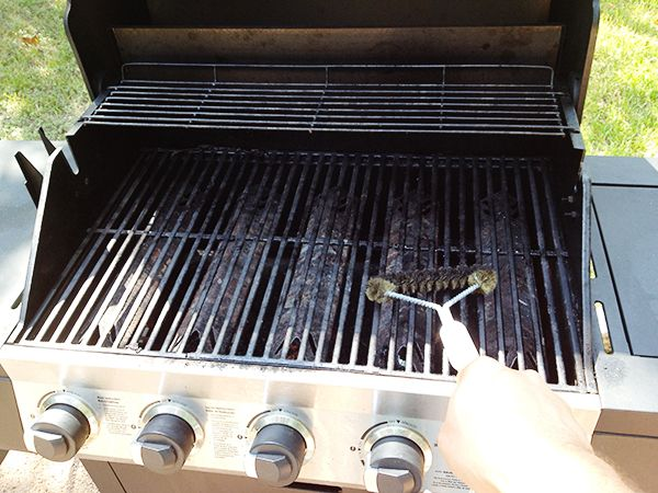 grill_cleaning_by_matt_450px.jpg