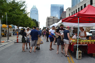 2016-08-16_SFC-Farmers-Market-Downtown-Street-View_WEBSITE.jpg