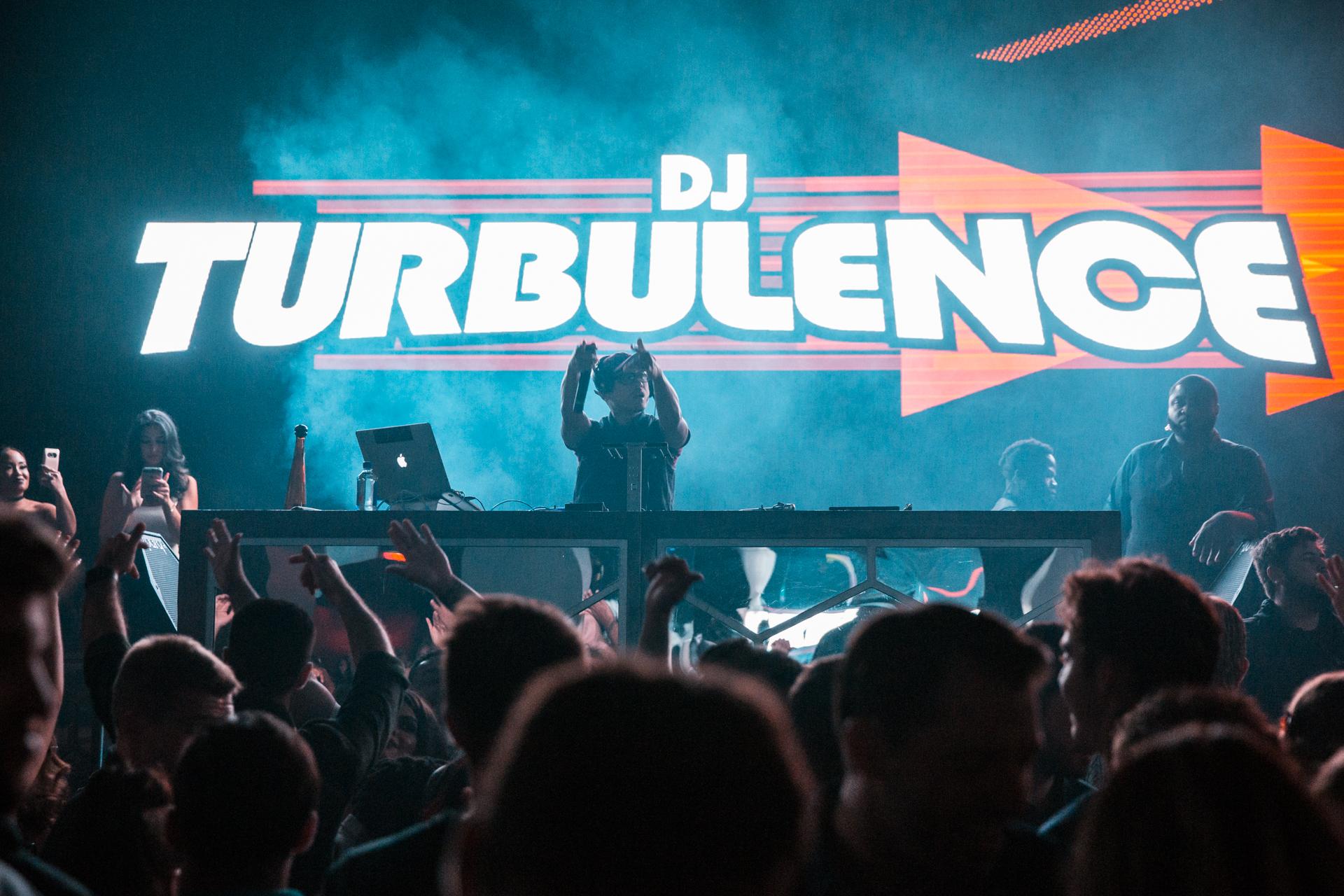 08.12.17 Turbulence--1.jpg