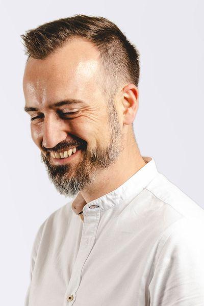 Nick Headshot 2019 - 1000x1000.jpg
