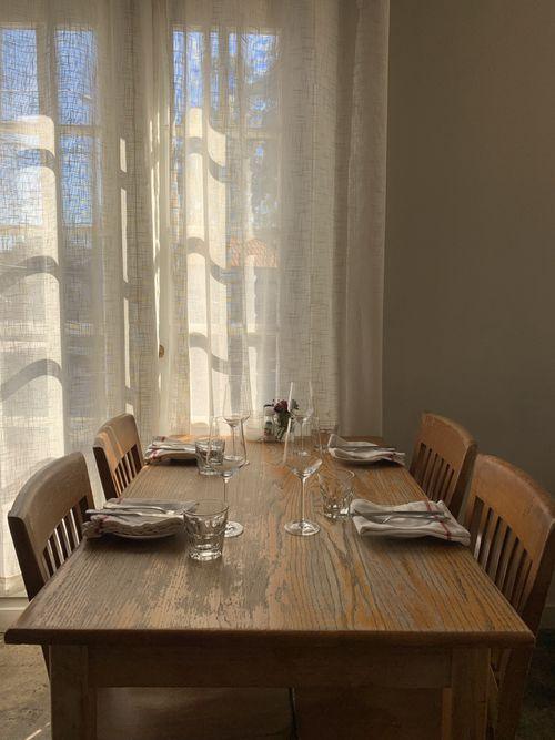 DiningRoom_tableset.jpg