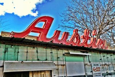 austin-sign-roadhouse-relics.jpg