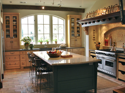 Traditional gourmet kitchen - traditional home design Houston