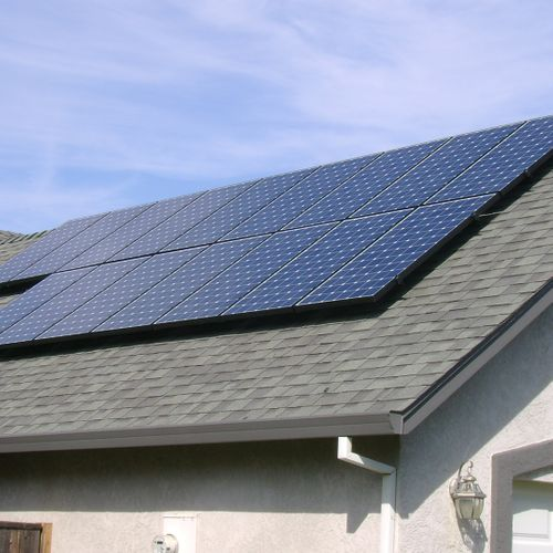 roof mounted solar panels on a home