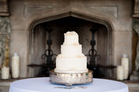 Custom Classic Wedding Cake in Austin Texas