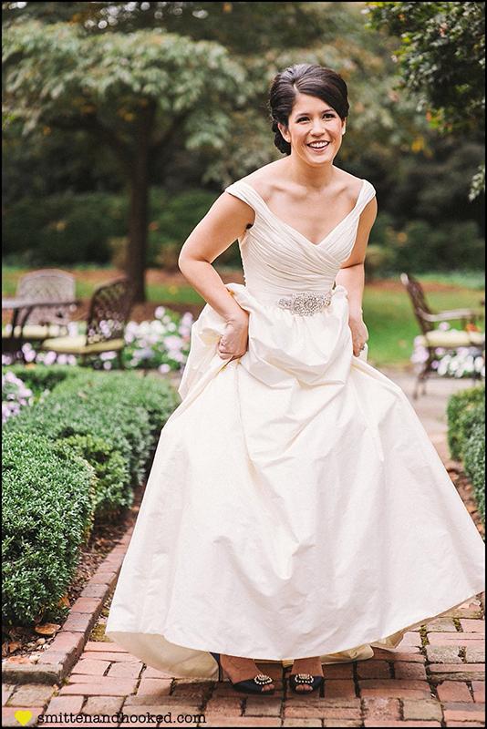 amanda-leong-bridals-smitten-hooked_0005.jpg