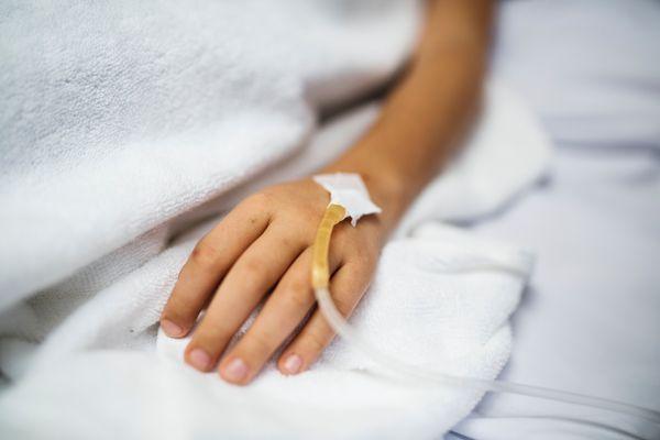 bed-blanket-blur-1243364.jpg