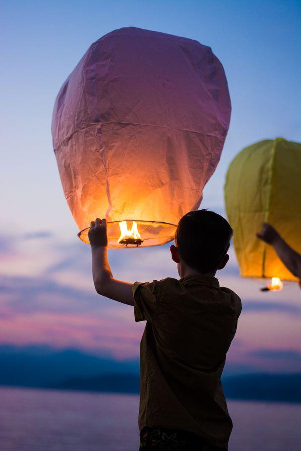 Child with Hot Air Balloon (gianandrea-villa).jpg