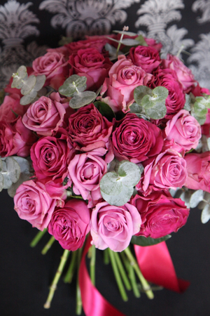 mauve rose bouqut