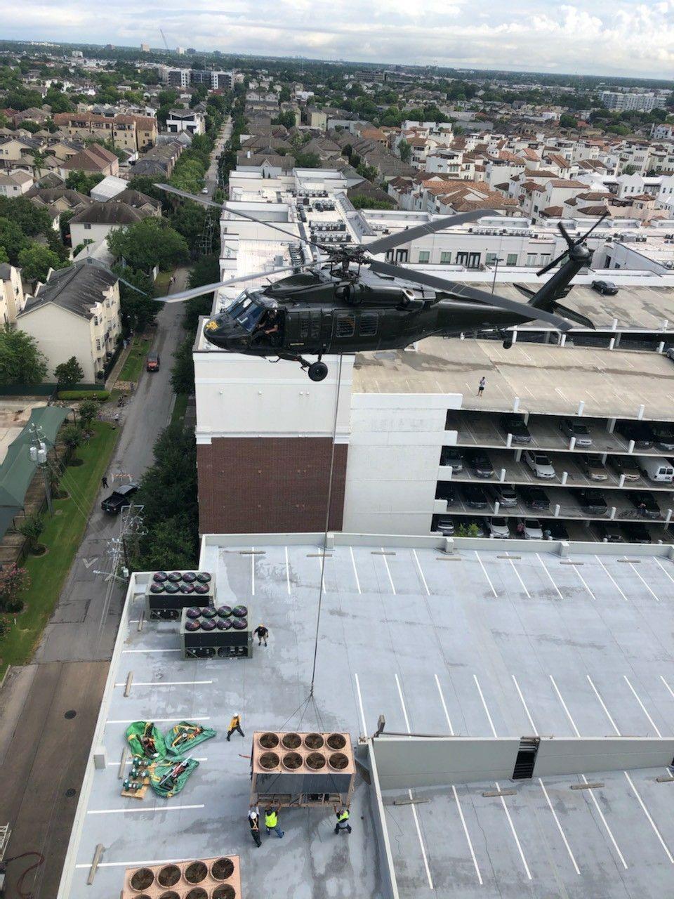 black hawk sikorsky-uh60a 8000 pounds aerial crane sky crane
