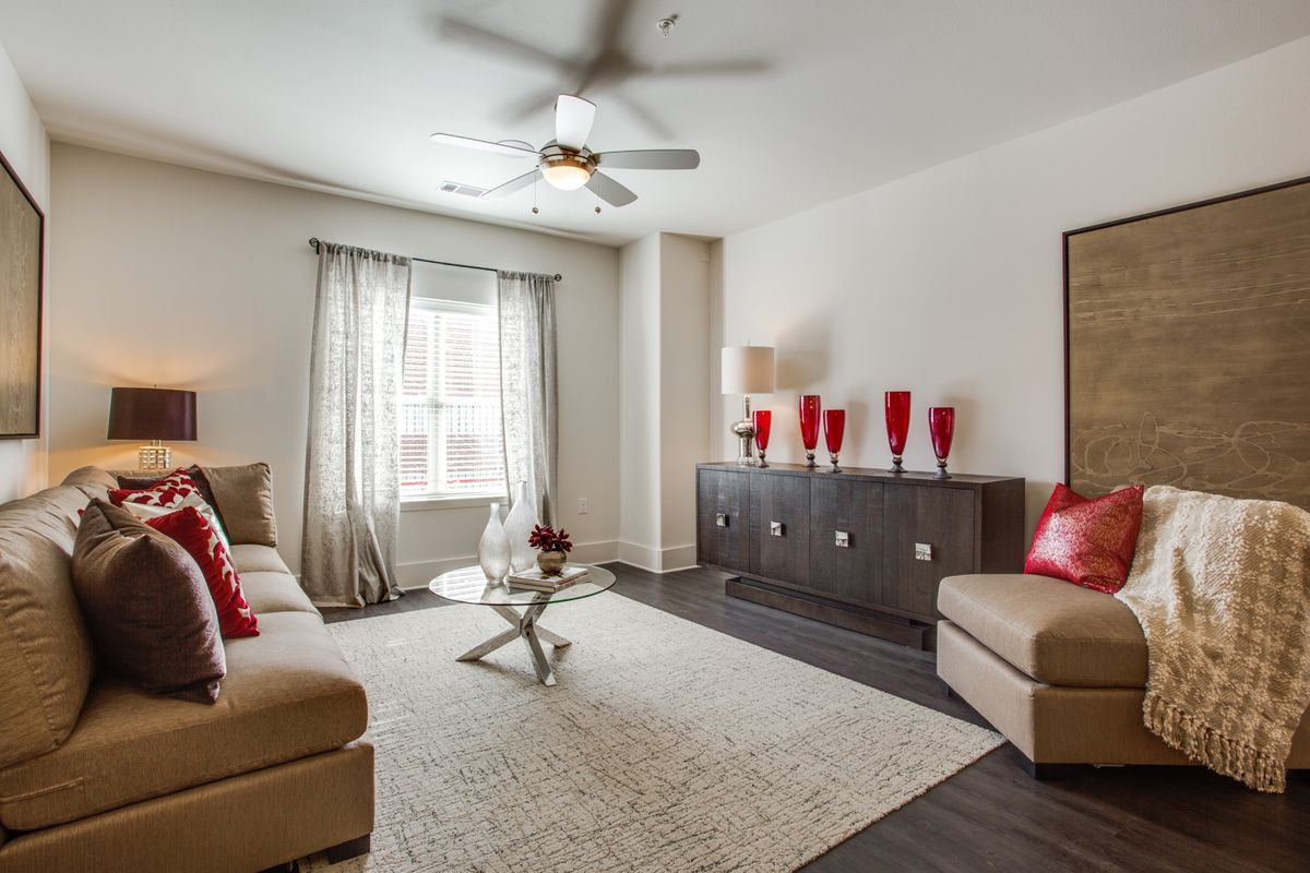 8275-walnut-hill-ln-dallas-tx-High-Res-13.jpg