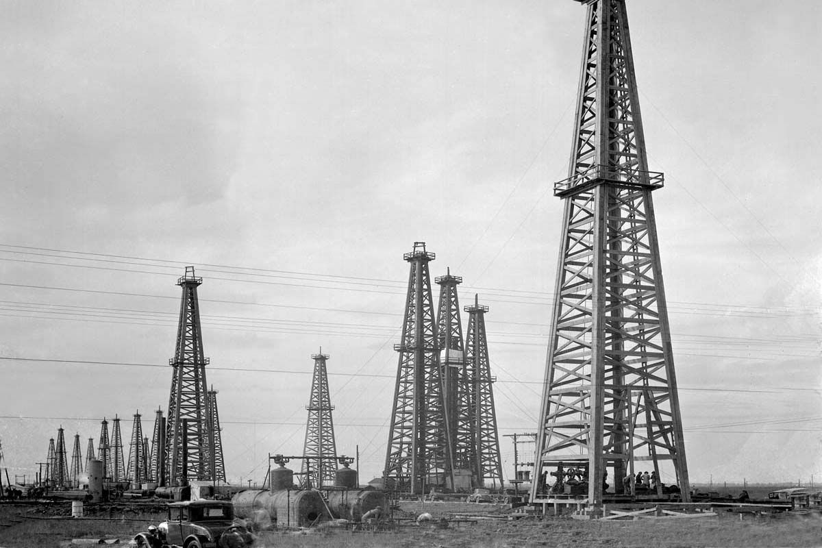 Story-Sloane-III---Oil-Field-Pierce-stla.jpg