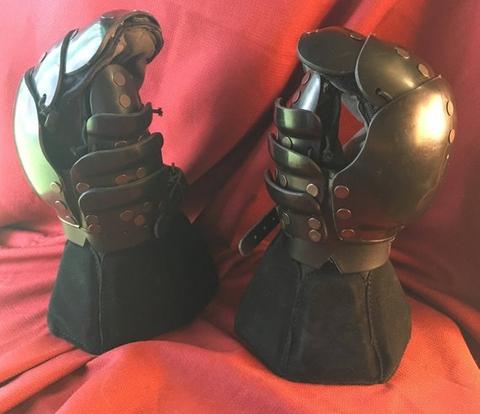 SPES gloves.jpg
