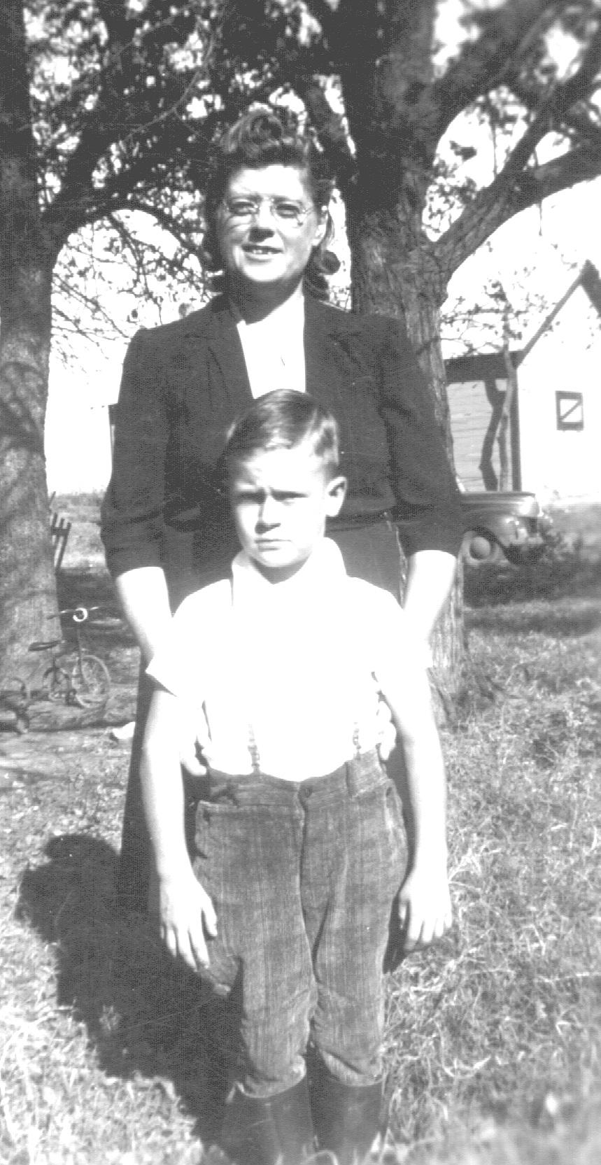 Hazel & Gail 1943.JPG