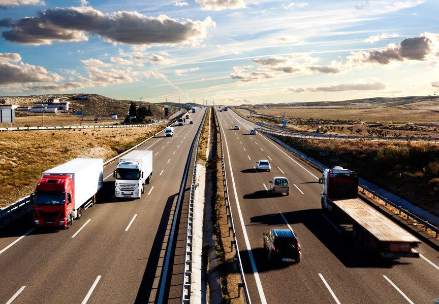 International-lorry-shipment.Highway-and-traffic-000078073203_XXXLarge.jpg