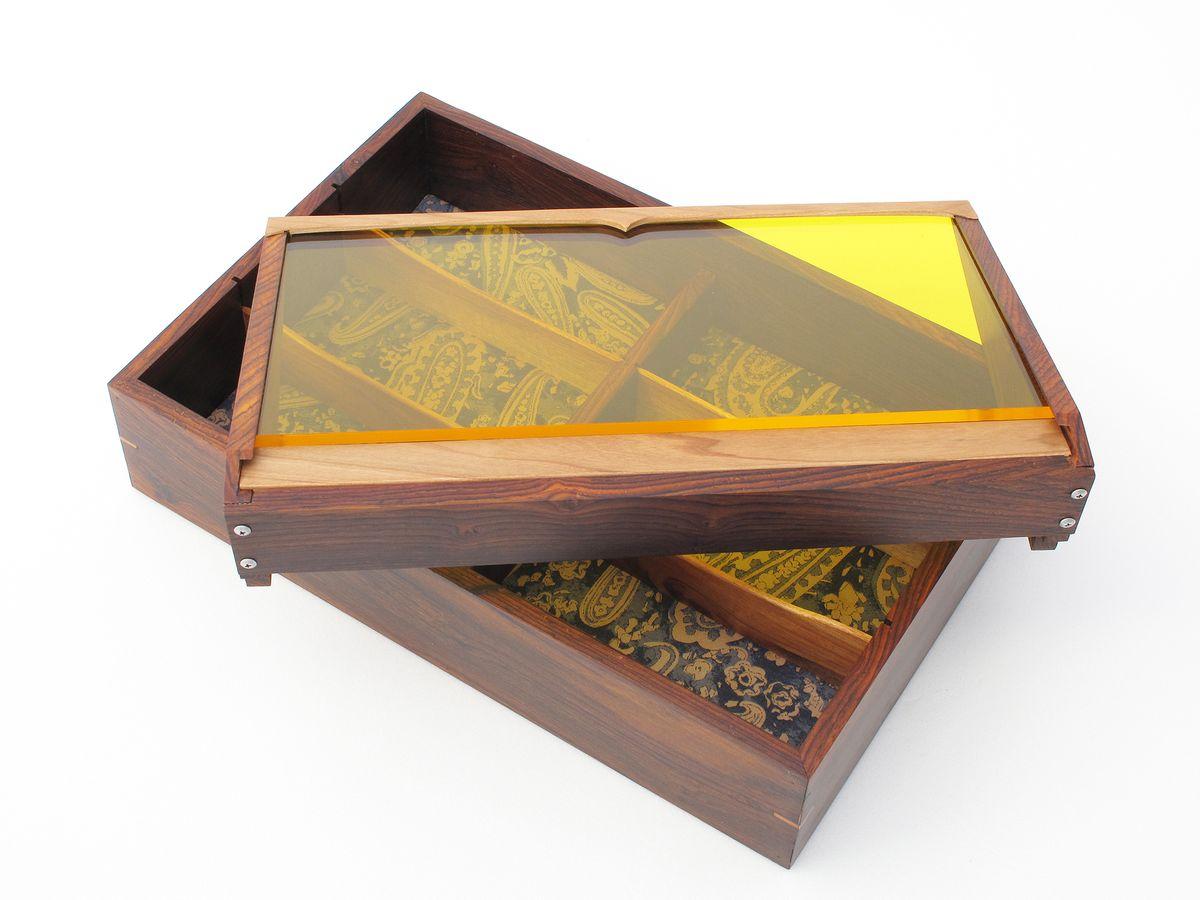 Box-acrylic-3.jpg