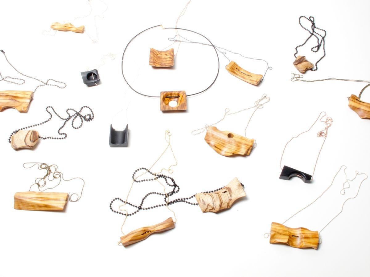 NecklaceMass3.jpg