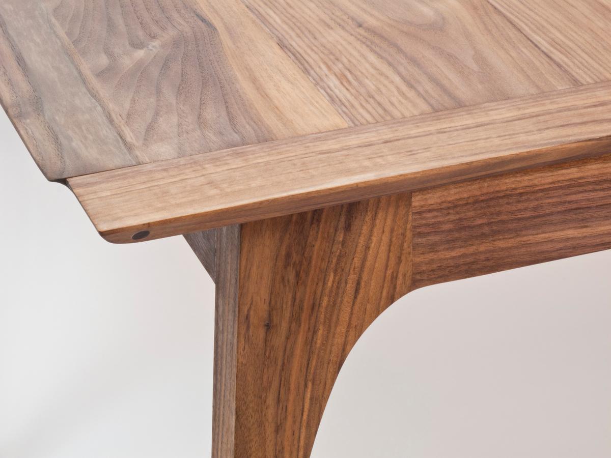 walnut table top corner detail top view small.jpg