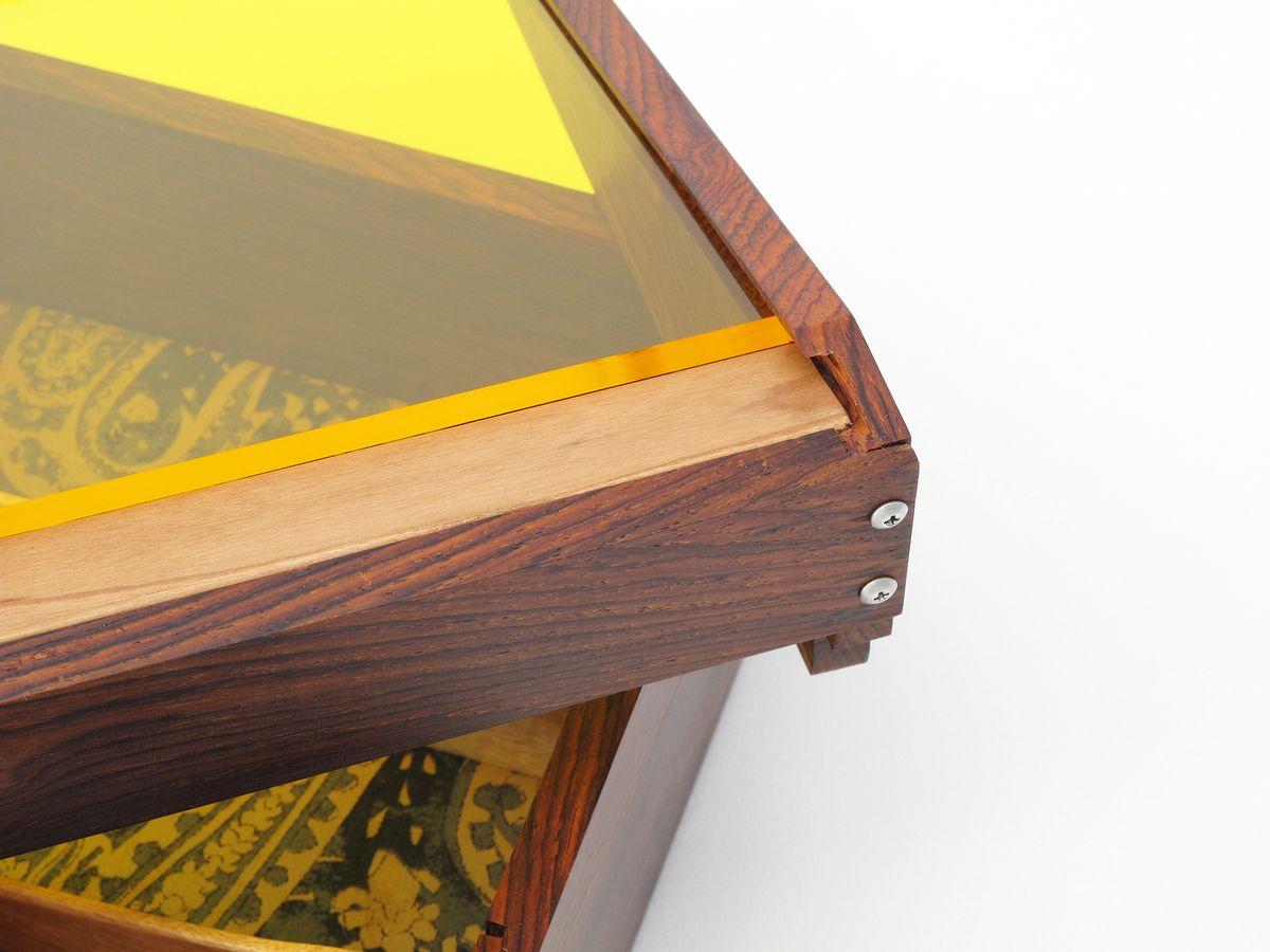 Box-acrylic-2.jpg