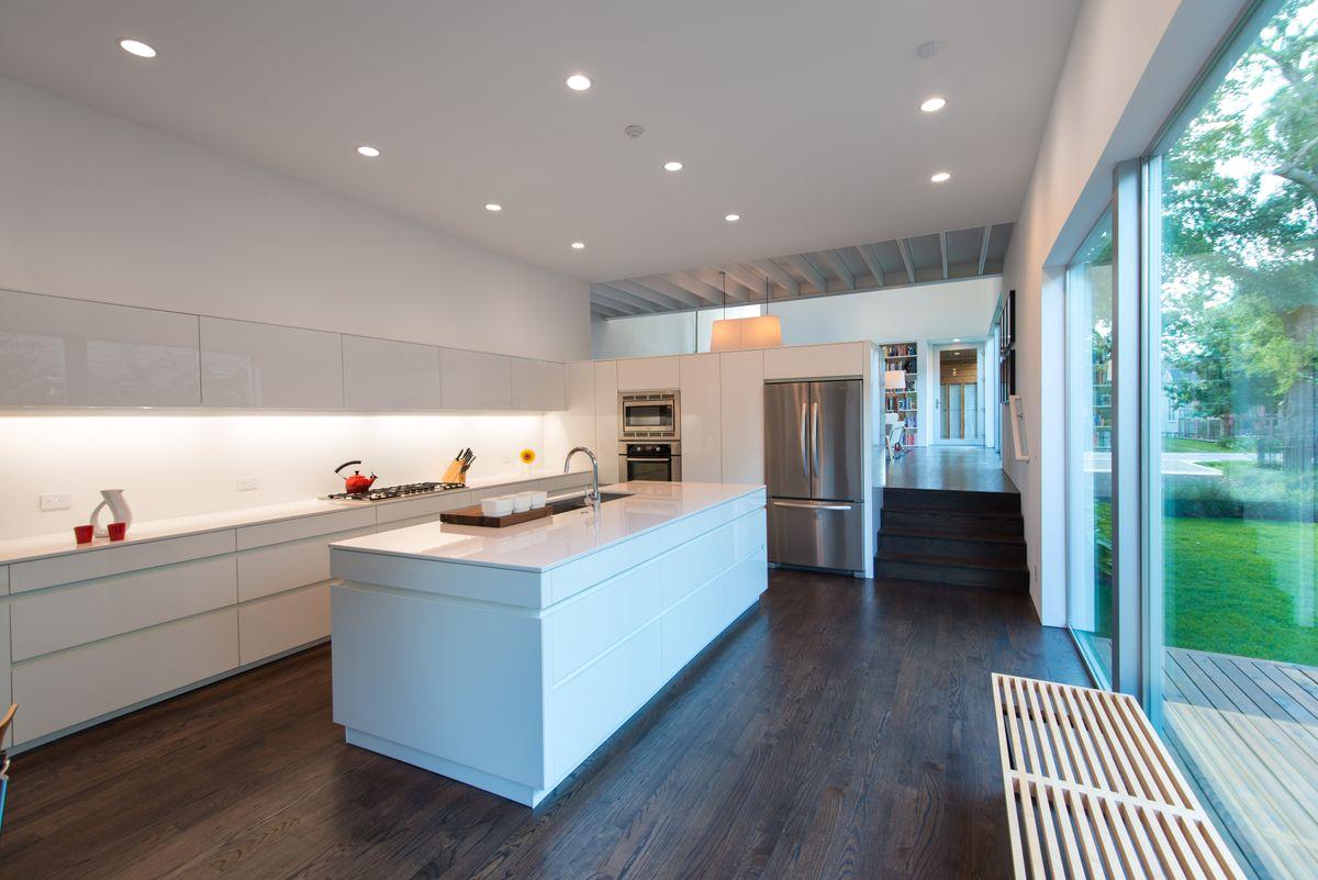 PerfHouse_Kitchen02.jpg