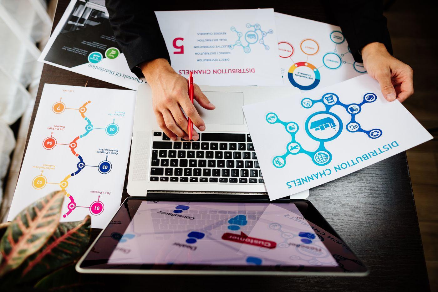 marketing-manager-making-marketing-distribution-ch-SBX94N8.jpg