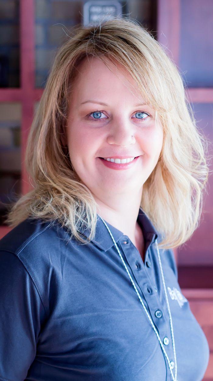 Niccole Muhowski, Yoga Teacher in Manitowoc