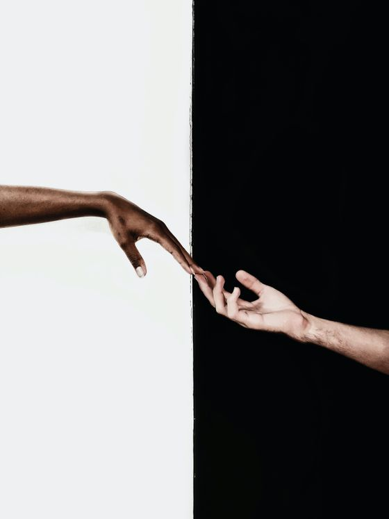hands-in-front-of-white-and-black-background-3541916.jpg