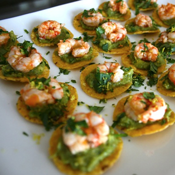 ROYITO'S SPICY SHRIMP AND GUACAMOLE BITES