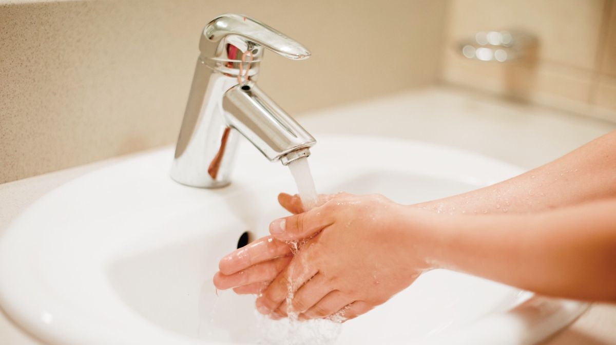 Safe Clean Salon Sanitary COVID-19.jpg