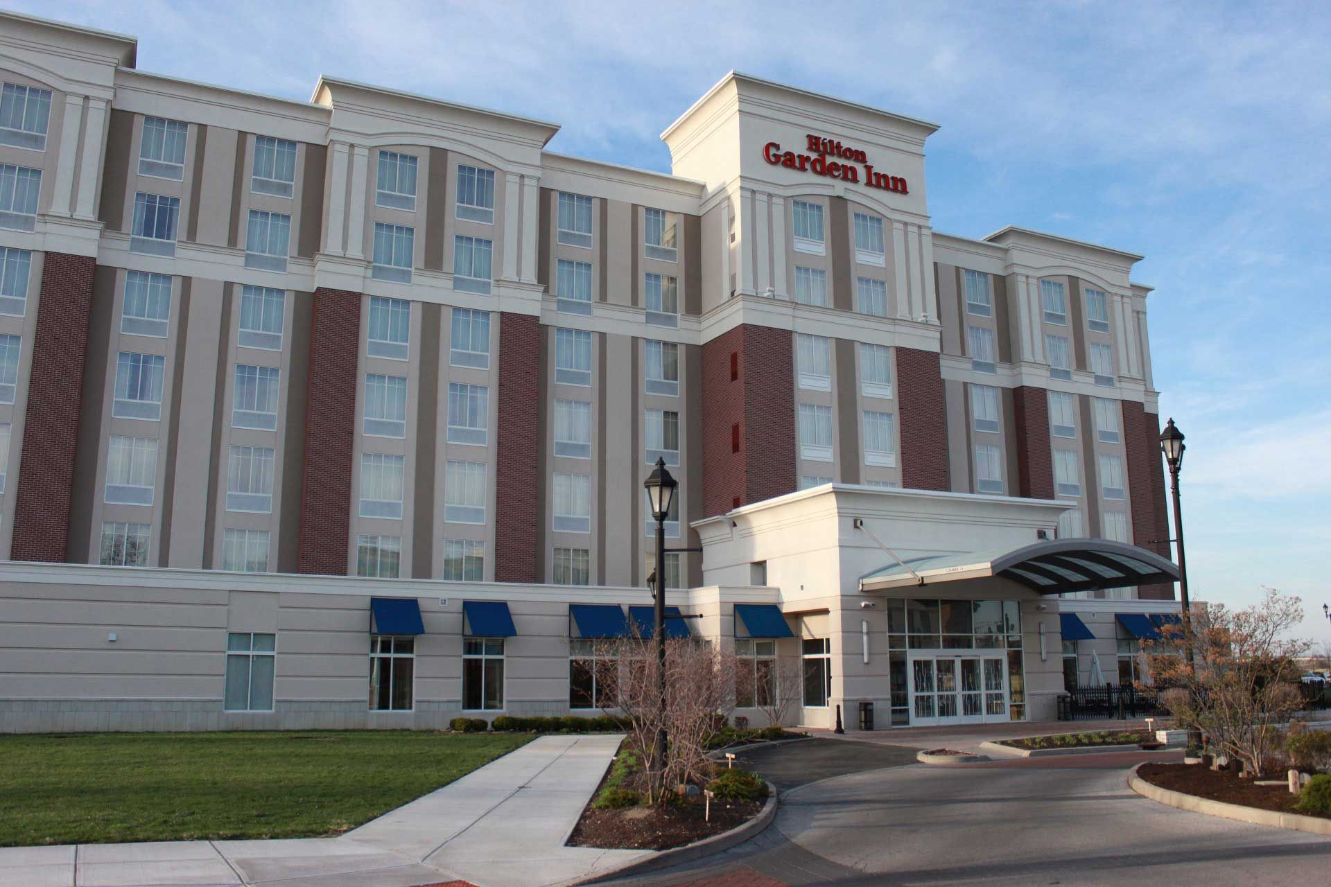 HILTON GARDEN INN AT LEVIS COMMONS