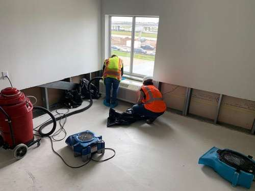 Cotton GDS commercial disaster solutions crew drying and dehumidifying room