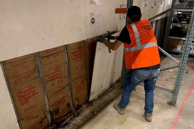 Cotton GDS commercial disaster solutions team repairing water damage in Conway, SC