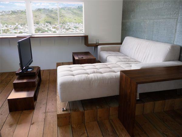 hono1_couch.jpg