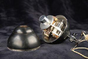 MGM / Western Electric 640AA tube condenser omni-directional microphone.inside.JPG