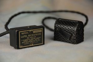 RCA PB-115 M1-4001-B lapel ribbon!!  microphone.JPG