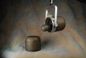 "RCA MI-10002 ""Uni-angular"" condenser microphone.JPG"