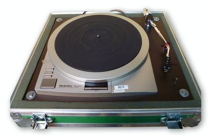 Technics Quartz SP15 Turntable at Hollywood Sound Systems