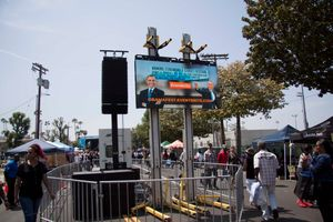 Obama Blvd celebration - Tower 4.jpg