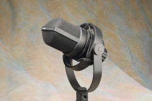 AKG C414 multi-pattern condenser microphone with metal shockmount & windscreen .JPG